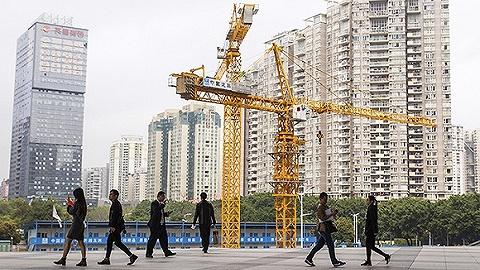 """深圳迎来""""打新潮"""",刚需客买房仍要靠抢"""