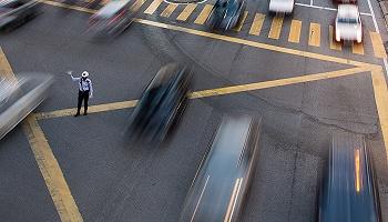 天津交管部门多警联动,三天查处交通违法行为2.3万余起