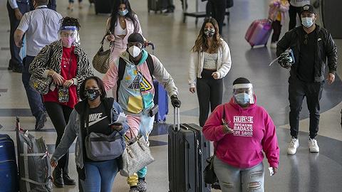 被多次警告感恩节后疫情将加重,美国人依然扎堆出行