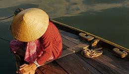 摸着中国过河:越南改革开放简史