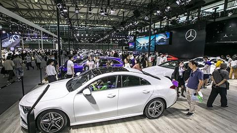奔驰再夺全球销量最高豪华车品牌桂冠,连续5年超越宝马