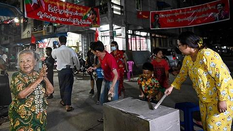 缅甸抗议继续:Facebook被封,联合国呼吁立刻释放昂山素季