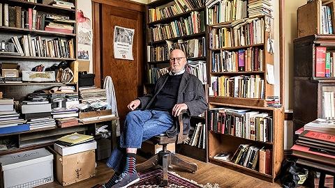 """""""垮掉的一代""""诗人劳伦斯·费林盖蒂逝世,曾创办城市之光书店出版金斯堡《嚎叫》"""