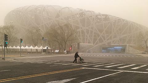 【图集】沙尘暴来袭!北京空气质量已爆表
