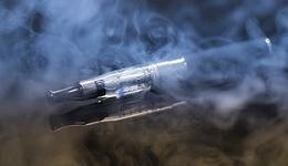 电子烟监管风暴:让子弹飞一会