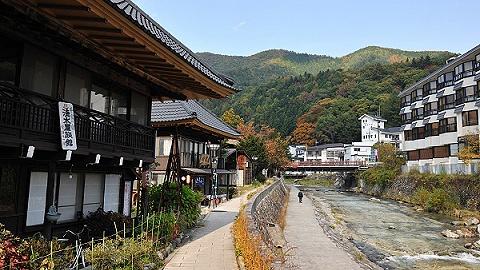 """京都、大阪〓房�a居然打折了,�F在是""""抄底""""日本酒店、民宿的好�r土�ν耆�破碎�C�幔�"""