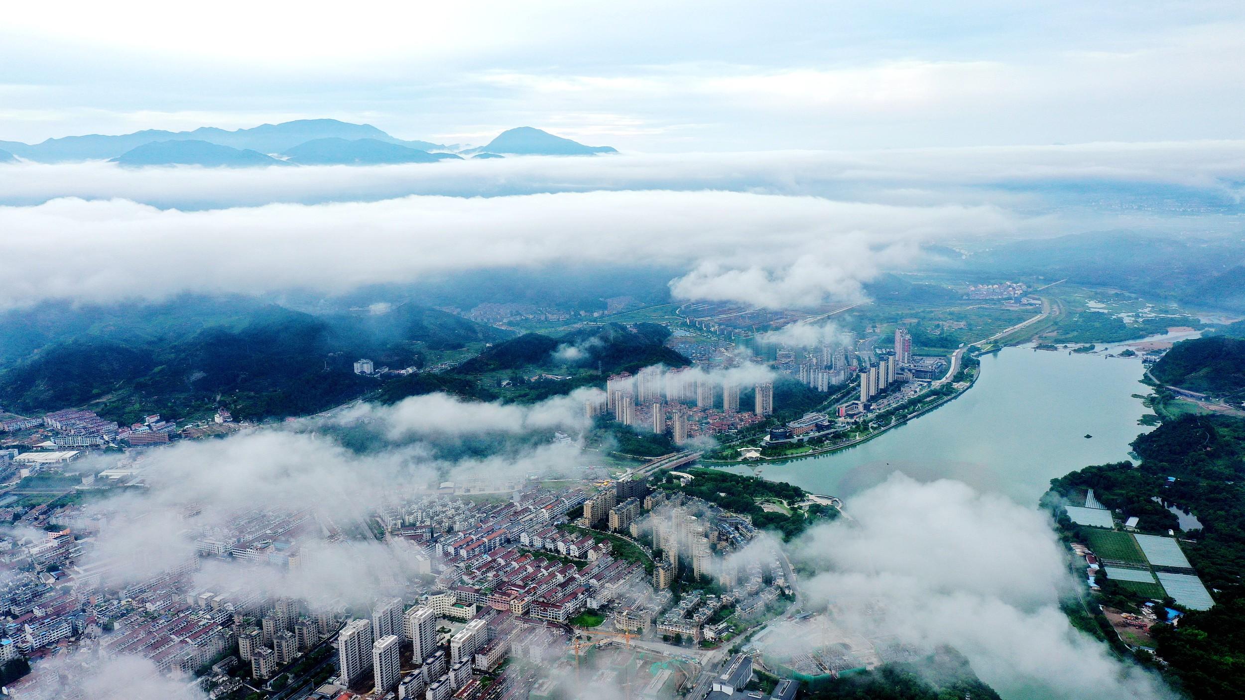 凤凰城招商主管958337浙江为共同富裕探路,从住房到城乡发展会有哪些变化?