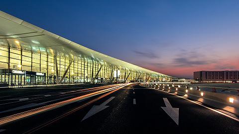 """南京机场""""保洁外包""""引争议,业内人士:安全责任不能外包"""