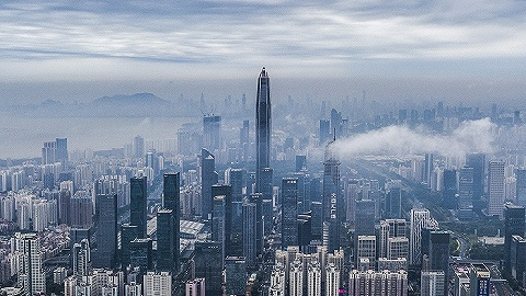 深圳楼市神话正在破灭:有人还在观望,专家说还要跌