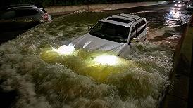 美国东北罕见暴洪已致60人遇难,多数死者被困车中