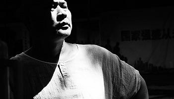 诗人杨键:我好像依旧官方电子电子试玩在古代 | 一诗一会