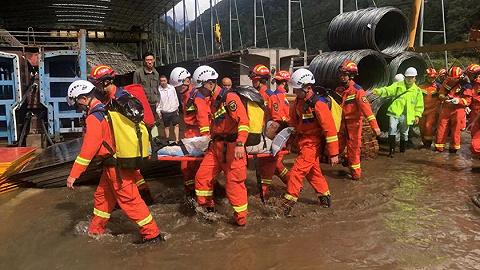 四川雅安泥石流已致2人死亡,尚有12人失联