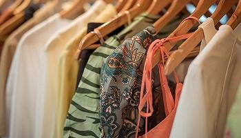 """办设计师大赛还在巴黎时装周开快闪店,Shein能够借此挤进""""时尚圈""""吗?"""