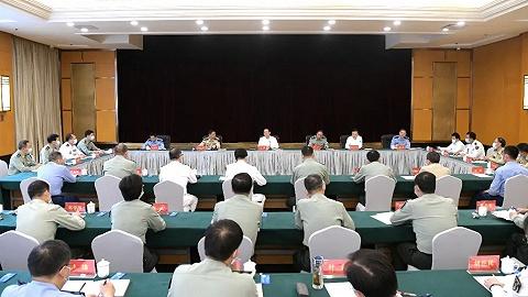 军队高级干部高科技知识培训班来沪参观见学,李强出席见面会并介绍上海发展情况