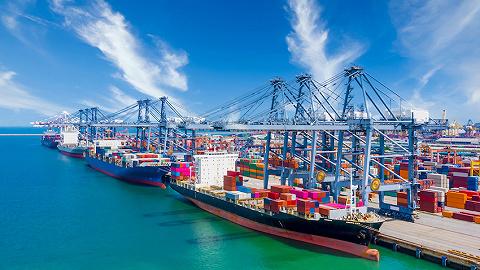 到2025年,上海浦东港口集装箱吞吐量将达4200万标准箱