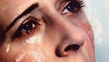 """泪水小史:""""哭泣就在自我感知的最深处"""""""