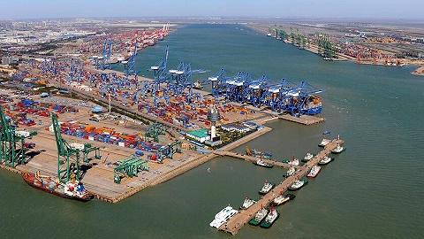 天津海关在国际邮包中查获象牙制品590克