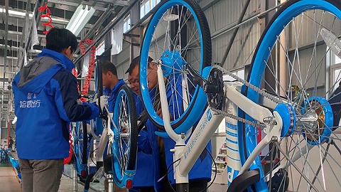 """哈啰出行宣布旗下共享单车全面适配北斗,""""成都造""""单车完成固件升级"""