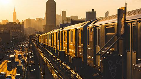 2020年上半年,成都成为内陆快递业务第一城