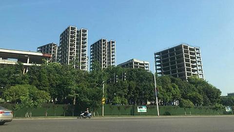 """声称打造""""韩式时尚地标""""的永川韩国城 ,开发商破产,项目6.62亿拍卖"""