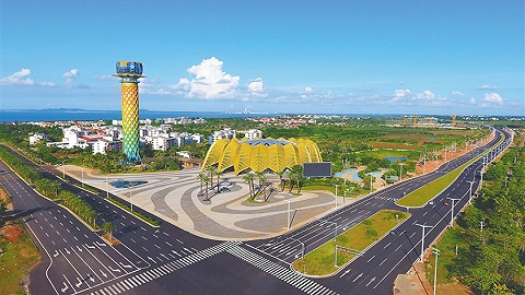 6月同步挂牌以来,海南自贸港重点园区共引进企业和项目1000多个