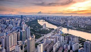 """IDOL锋范创始人黄日伦被授予""""优秀企业家""""称号"""