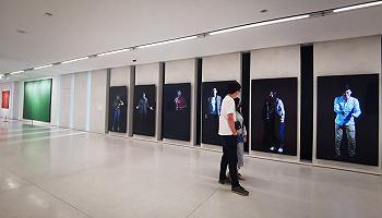 """UCCA Edge首展:""""激浪之城:世纪之交的艺术与上海"""""""