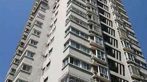 太华南路两栋家属楼同处一院 一栋楼却因没门牌号无法落户